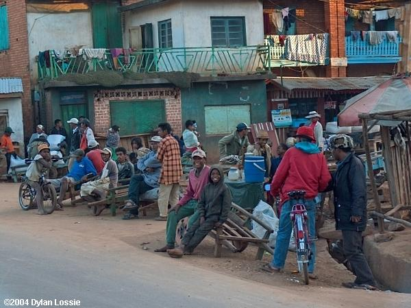 Road to Antsirabe (Road to Antsirabe)