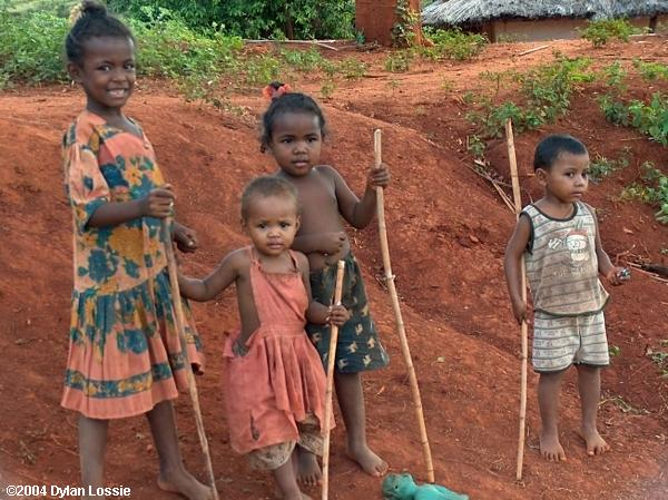 Road to Miandrivazo kids (Road to Miandrivazo kids)