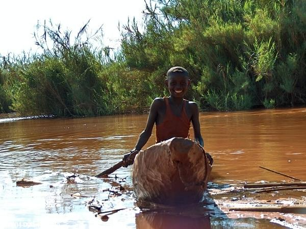 Tsiribihina River boy (Tsiribihina River boy)