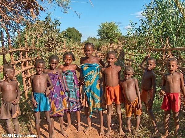Tsiribihina River children  (Tsiribihina River children)