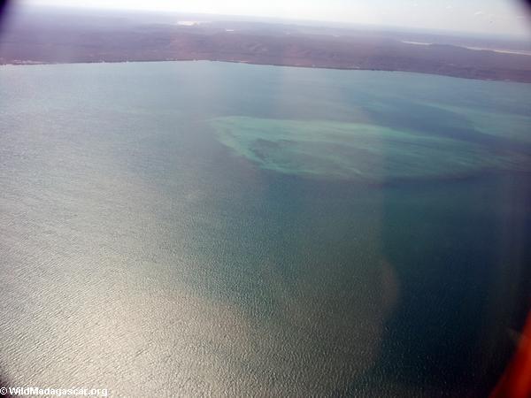 Aerial view of coral reef near Tulear (Tulear)