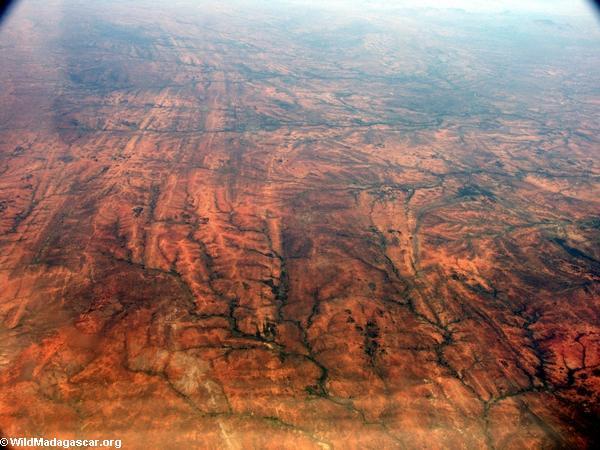 Aerial view of deforestation and erosion in southern Madagascar (Isalo) [tulear_ftdau_flight0163]
