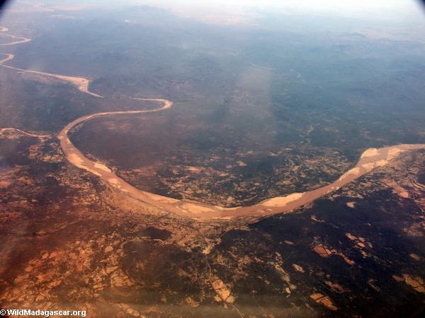 Aerial view of deforestation and erosion in southern Madagascar (Isalo) [tulear_ftdau_flight0167]