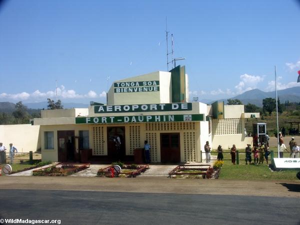 Fort Dauphin (Tolagnaro) airport (Ft. Dauphin)