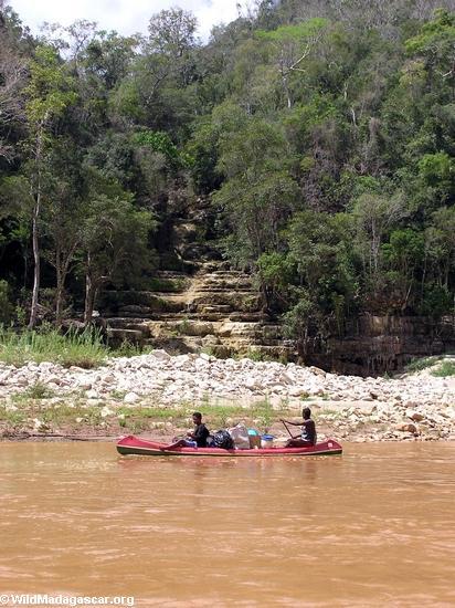 Manambolo canyon team (Manambolo)
