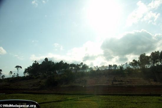 Countryside along road from Fianarantsoa (RN7) [tana-rano_0222]