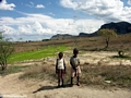 School children near Isalo (Isalo)